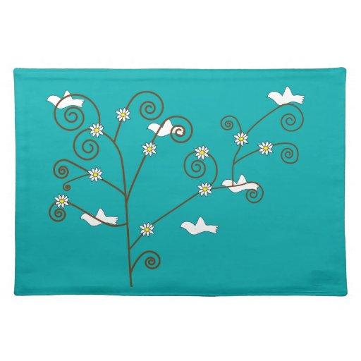 Palomas en un árbol manteles