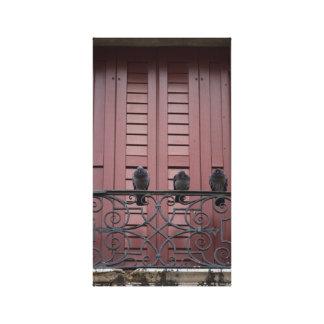 Palomas en un balcón impresion de lienzo