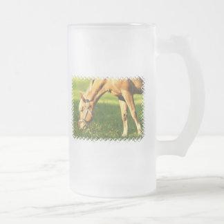 Palomino Horse Grazing Frosted Mug