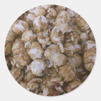 Palomitas de maíz del caramelo pegatina redonda