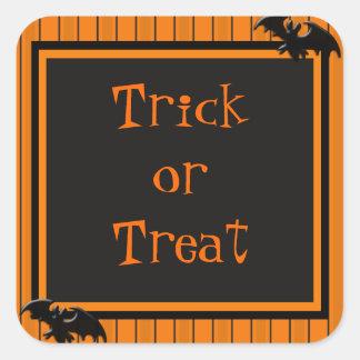 Palos y diseño de Halloween de las rayas Pegatina Cuadrada