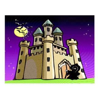 Palos y parca del castillo en la puerta del postales