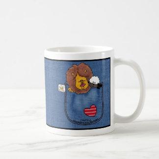 Pals del bolsillo de la camisa del león y del cord tazas de café