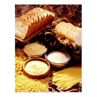 Pan cortado, harina, arroz, y diversas pastas tarjetas postales