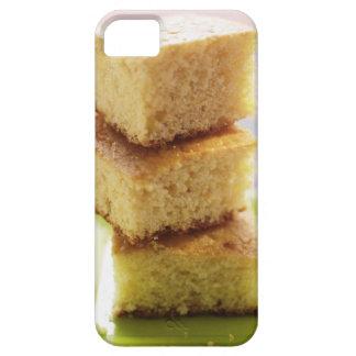 Pan de maíz, corte en los cubos (en una pila) iPhone 5 fundas
