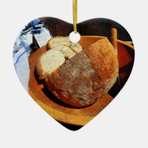 Pan hecho en casa adorno navideño de cerámica en forma de corazón