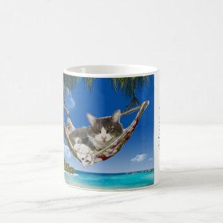 Pana en el del Caribe (gato en hamaca) Taza De Café