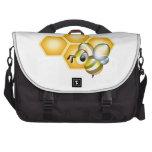 Panal con una abeja linda bolsas de portatil