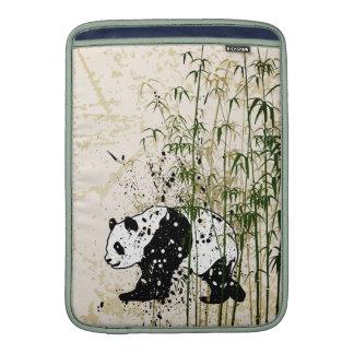 Panda abstracta en el bosque de bambú funda  MacBook