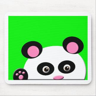 Panda con el fondo verde tapetes de ratón