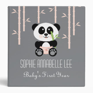 Panda de bambú rosada en álbum de foto del bebé de