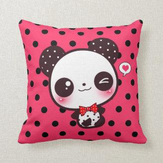 Panda de Kawaii en lunares negros Cojin