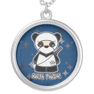 ¡Panda de Ninja! Collar multi de Shuriken Ninjador