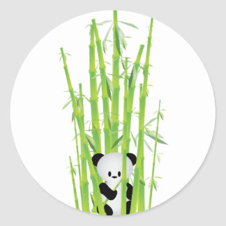 Panda del bebé en el bosque de bambú pegatina redonda