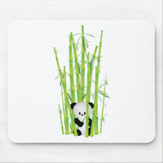 Panda del bebé en el bosque de bambú alfombrilla de raton