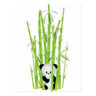 Panda del bebé en el bosque de bambú tarjetas postales