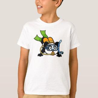 Panda del buceo con escafandra camisas