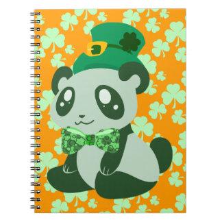 Panda del día de St Patrick Cuadernos