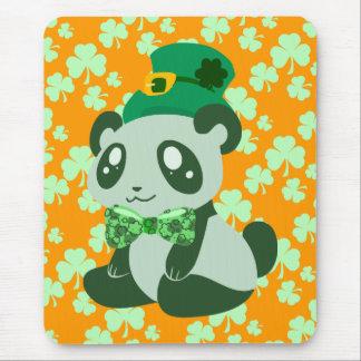 Panda del día de St Patrick Tapetes De Ratones