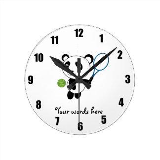 Panda del tenis reloj redondo mediano