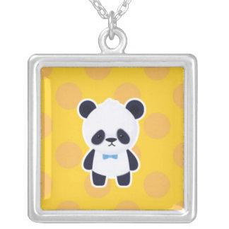 Panda en puntos amarillos colgante cuadrado