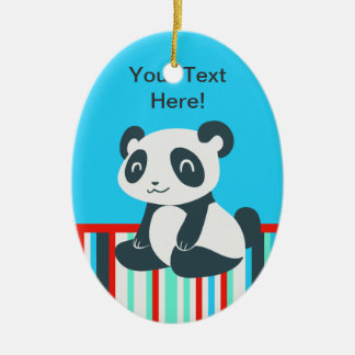 Panda feliz linda del dibujo animado adorno navideño ovalado de cerámica