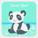 Panda feliz linda del dibujo animado calcomanía cuadradas personalizadas