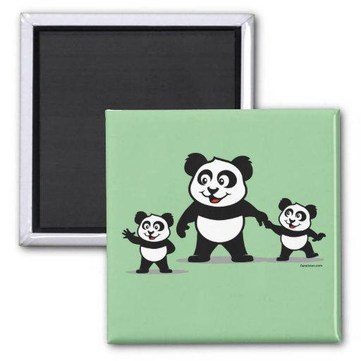 Panda linda con dos bebés imán de frigorifico