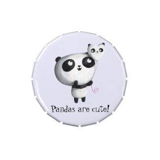 Panda linda con el globo latas de caramelos
