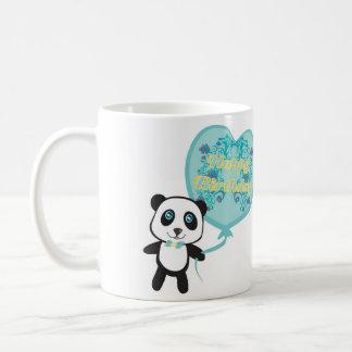 Panda linda con la taza del globo taza básica blanca
