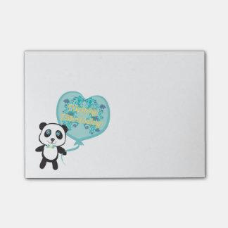 Panda linda con las notas de post-it del globo nota post-it