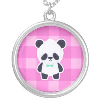 Panda linda en controles rosados colgante redondo