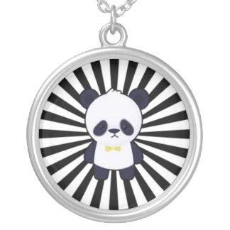 Panda linda en Starburst blanco y negro Colgante Redondo