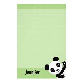 Panda que agita inmóvil  papeleria de diseño