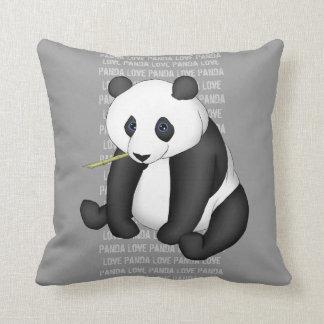 Panda que come el bambú almohadas