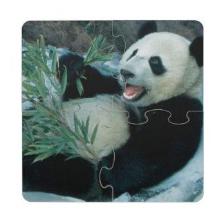 Panda que come el bambú por la orilla del río, Wol Posavasos De Puzzle