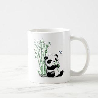 Panda que come el bambú tazas de café