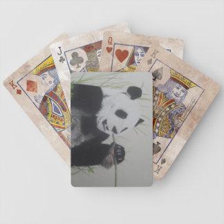 Panda que mastica los naipes de bambú de las ilust baraja