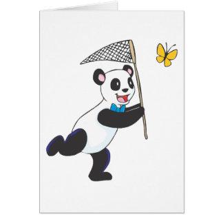 Panda que persigue la mariposa tarjeta de felicitación