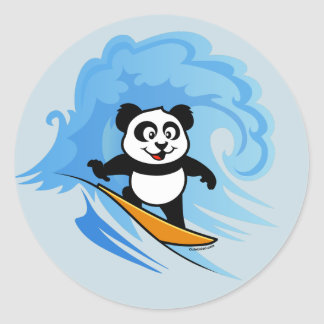 Panda que practica surf etiquetas redondas