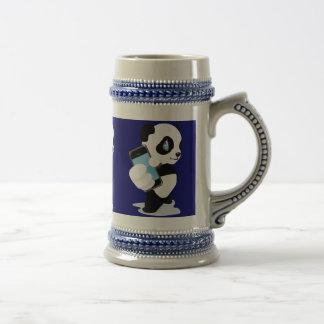 Panda que sostiene un iPhone Jarra De Cerveza