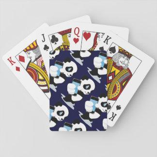 Panda que sostiene un smartphone baraja de póquer