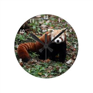 Panda roja reloj redondo mediano