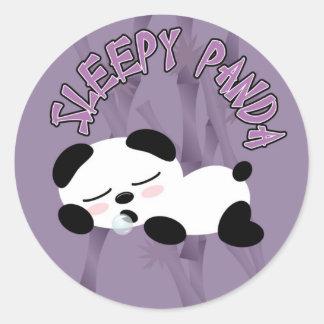 Panda soñolienta pegatina redonda