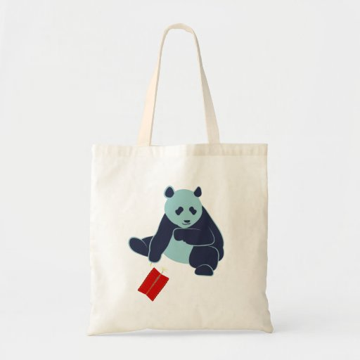 Panda y la bolsa de asas de los fuegos artificiale
