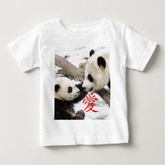 Pandas chinas del amor playera