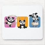 Pandas de la gimnasia alfombrillas de raton
