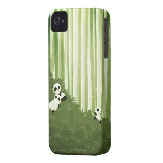 Pandas de Nidhi Chanani iPhone 4 Fundas