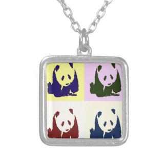 Pandas del bebé del arte pop collar plateado