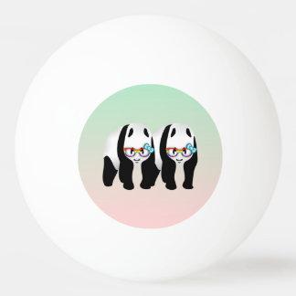 Pandas del inconformista del orgullo gay pelota de tenis de mesa